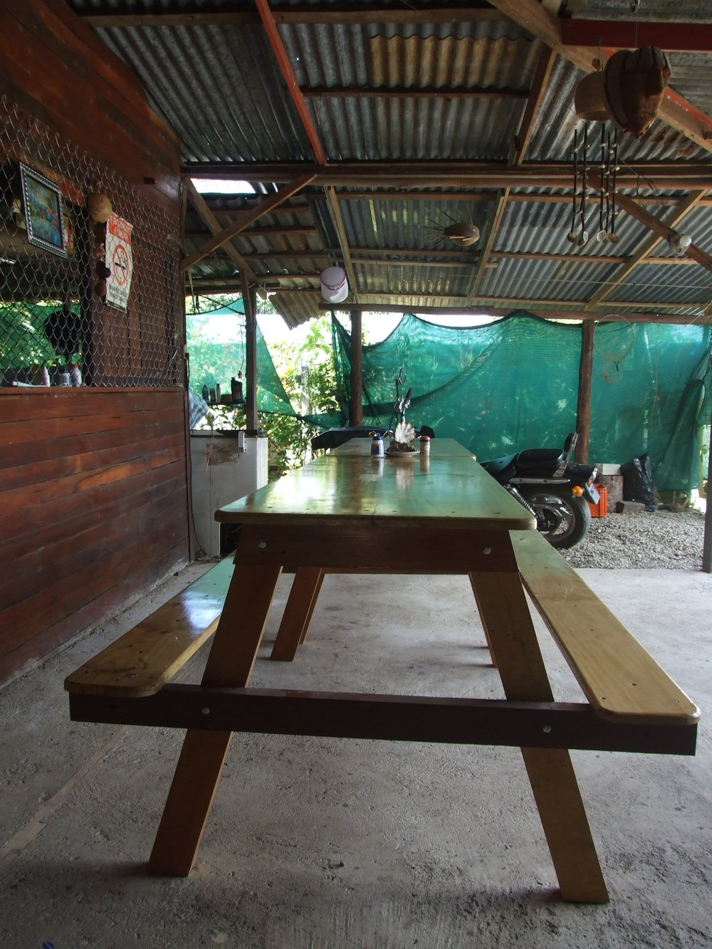 mesas para comer manawada.JPG