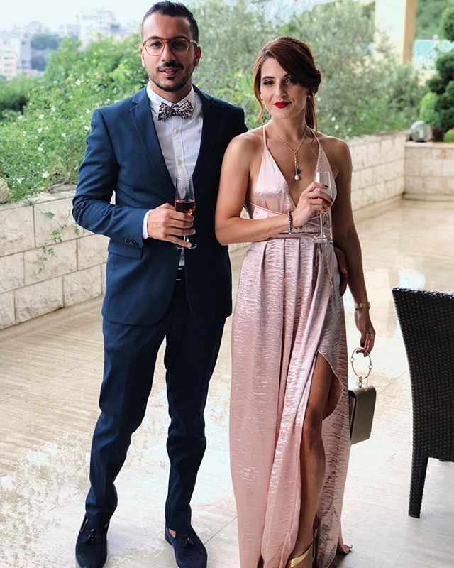 The best part about attending any wedding is the dressing up!  Perfectly matching with my forever love ❤️ @alishehade_ . . . . #fashionbloggers #dressingup #wedding #weddingdress #summerwedding #whatiwore #aboutalook #redhead #petitejoys #casualmakeup #suit #menfashion
