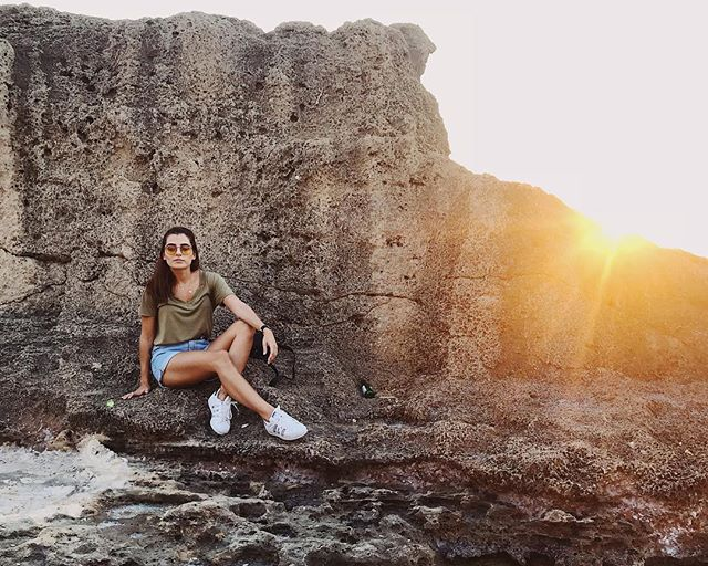 Where am I heading?  I don't have the answer yet, but I can assure you there's plenty of sunshine. . . . . #fashionbloggers #petitejoys #livelovelebanon #livelovebatroun #summerstyle #casual #sunset #whatiwore #adventure