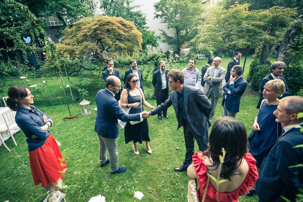 Dick Costolo incontra il team di Twitter Italia guidato da  Antonella Di Lazzaro , sul magnifico sfondo di Villa Crespi (Milano)