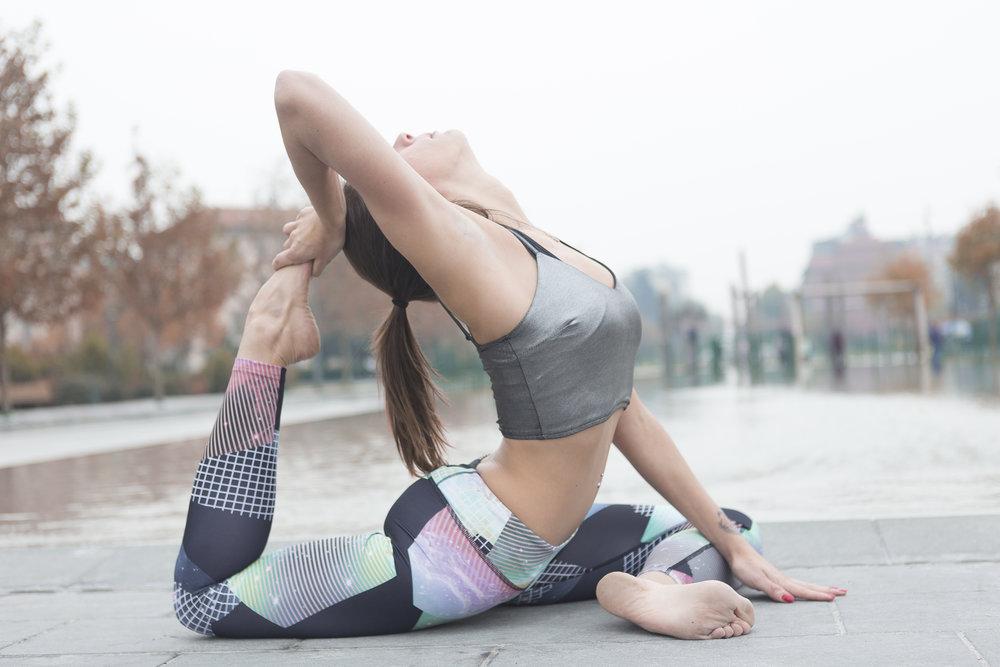 cesare ferrari fotografo milano sport yoga fashion