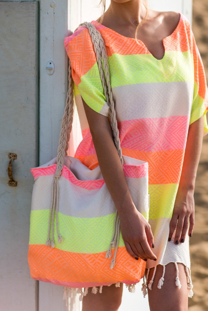 WAVES NEON - TUNIC / CAFTAN64.90 $