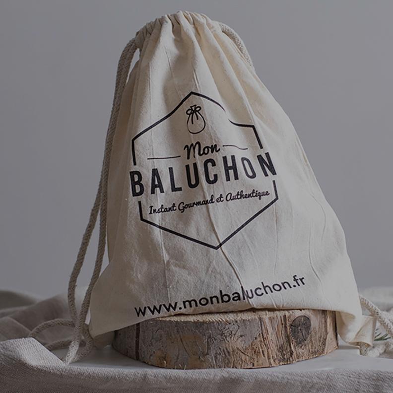 Mon Baluchon Mon Baluchon reprend le principe de box - sous forme de baluchon - afin de faire découvrir la richesse du patrimoine culinaire régional. Recevez chaque mois des produits gourmands du terroir, de qualité et fabriqués de manière artisanale* par les producteurs de la région, Auvergne Rhône Alpes.[Suite]