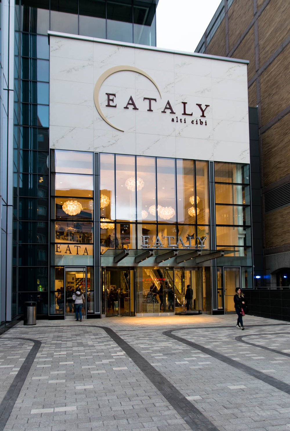 Eataly - Photo Lenox Hotel properites.