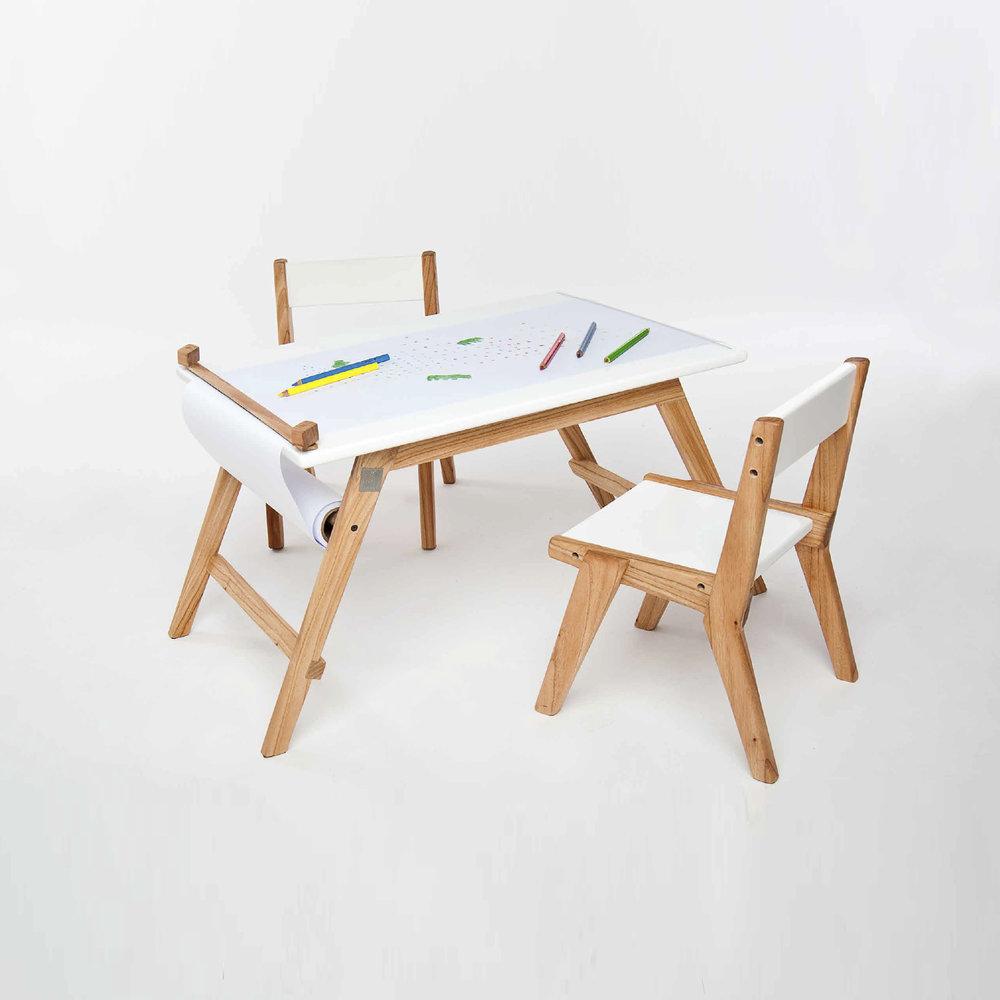 Mesa de dibujo + 2 sillas