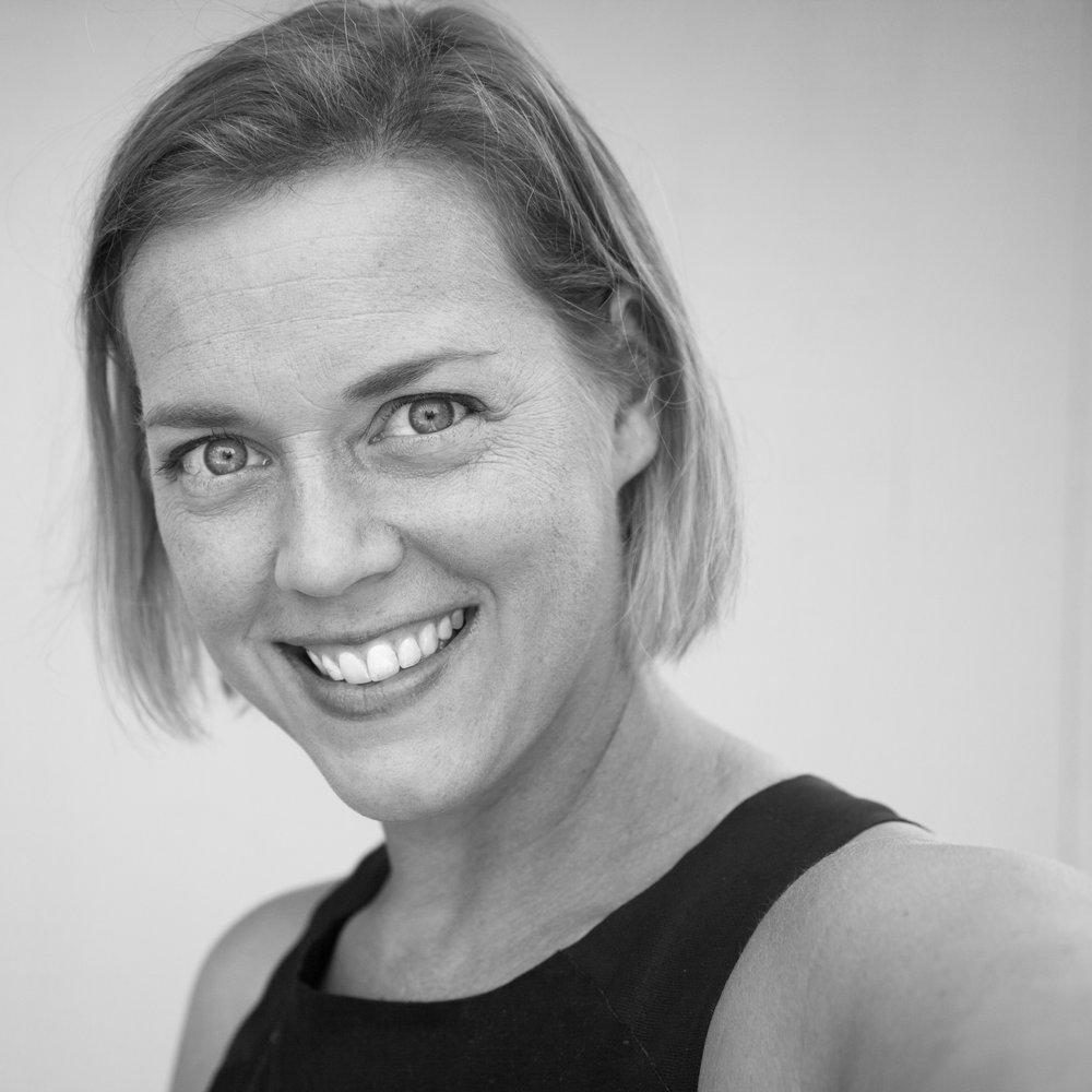 Black and White portrait of Hilary Foreman Portland Oregon Family Photographer Headshot