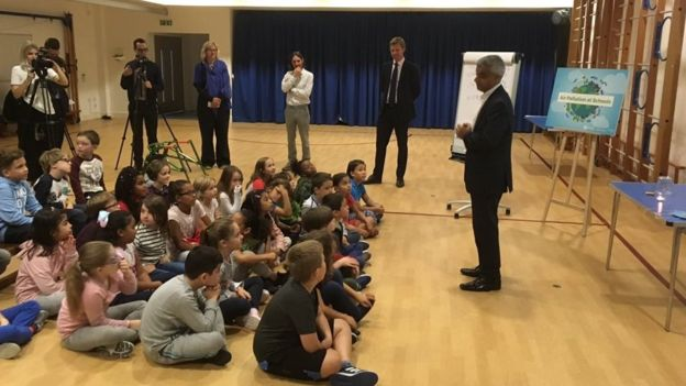 The mayor made the announcemnt in September 2017 as he met pupils from Prior Weston Primary School in Islington. Source:  BBC