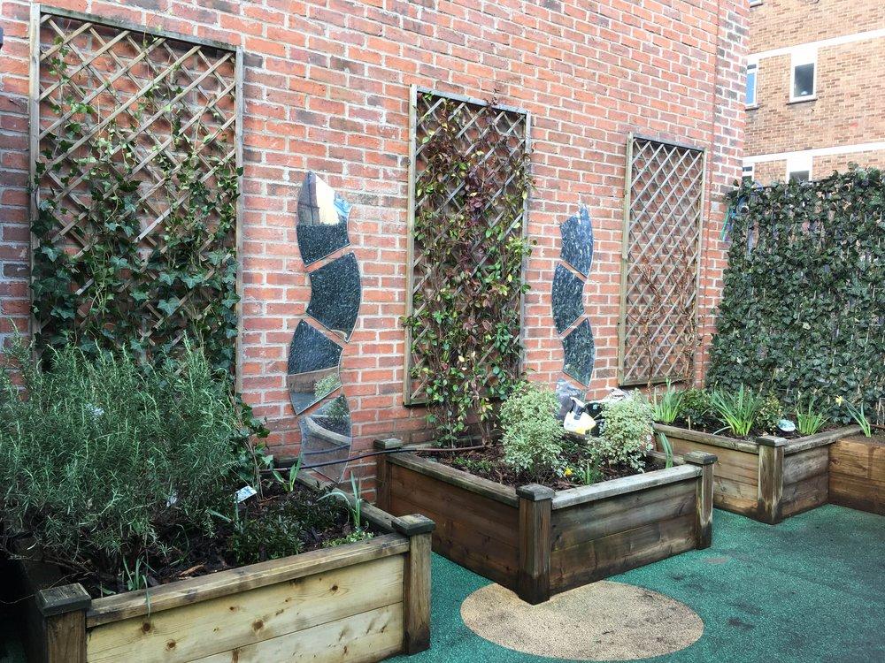 Christopher Hatton Primary School Green Screen and trellis
