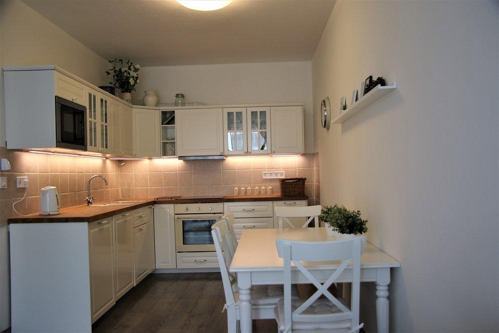 NovaNitra_1bed_no1_kitchen.JPG