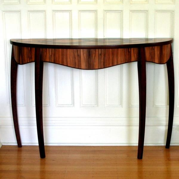 Kelp Demi Lune Table