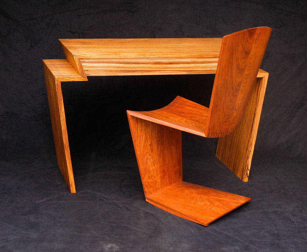 Zig Zag Desk