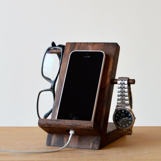 phonestand.jpg