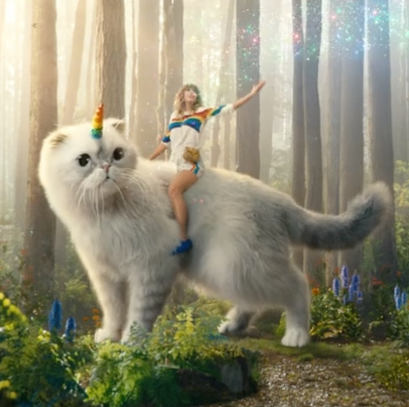 Taylor Swift and her Caticorn