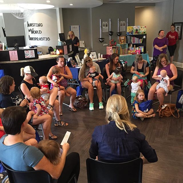 "Moments before the ""big latch 2017"" so grateful for this community of moms, babies and local businesses! . . . . . #nationalbreastfeedingweek #doula #birth #pregnancy #postpartum #breastfeeding #breastisbest #thedouladate"