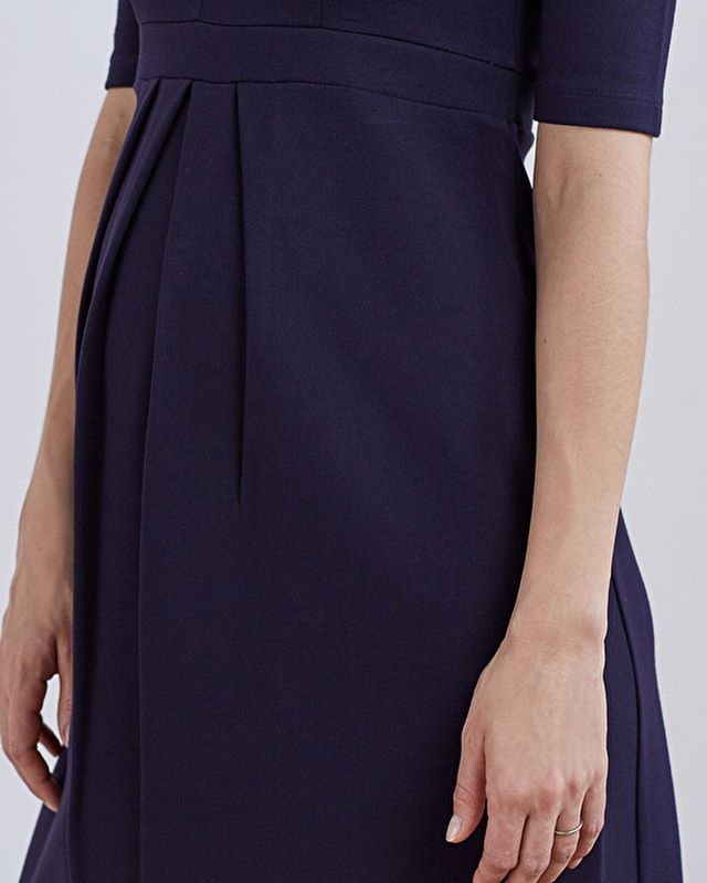 Sorry that we've been so quiet, we've been preparing for our US move. Let's take a moment to appreciate the pleats on this gorgeous @isabellaoliver Farah Maternity & Beyond dress. Maternity wear doesn't need to be frumpy or unfashionable. Ooze style and sophistication whilst remaining comfortable - - - #maternityfashion #maternityclothes #maternityworkwear #pregancystyle #pregnancyisbeautiful #workwearstyle #workfashion #workwardrobe ⠀ #theworkwardrobe #womenwithstyle #chicworkchick #officestyle #officefashion #weartowork #instastyle #styleinspiration #fashionforward #womenwithstyle #ltkstyletkip #workstyle #abmstyle #chicwish #ltk #styleinfluencer #workoutfitideas #dressforwork #officechic #officewear #fashiondiaries #corporatestyle #workweardaily