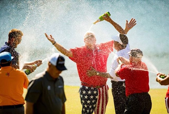 Hope you like the champagne 🍾@pga_johndaly congrats on your win! @pgatourchampions @insperityinvitational