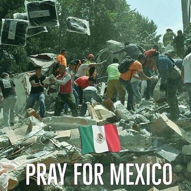 Orando por Mexico #mexicofuerte