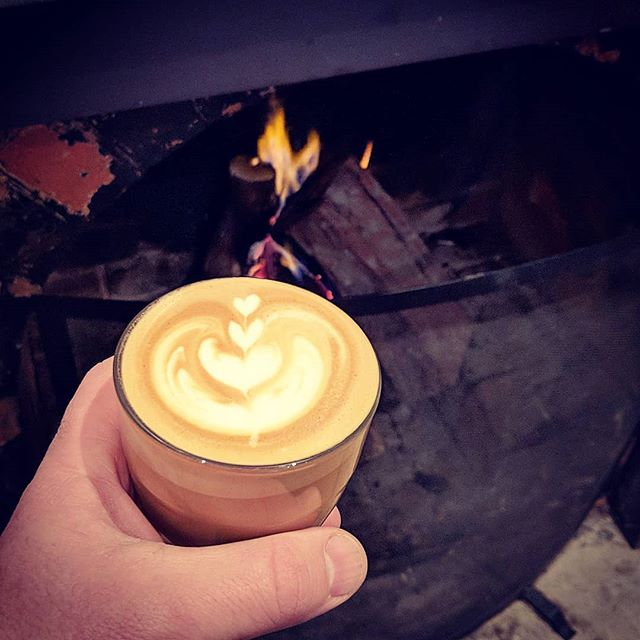 Coffee infront of an open fire! What a way to spend your Saturday morning. #openfire #coffeetime #castlemaine #castlemainelife #wandervictoria #thegov #singleorigin #motobeancoffeeroasters