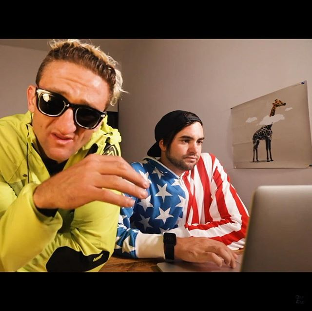 Yo @caseyneistat and @danthedirector @368.nyc .... DM Me the address and i will send a a non damaged Daydreamer Giraffe Screen Print for your apartment and the 368 studio —- J —- j@jboy.co.uk —-#jboy #danmace #368 #nyc #artwork #daydreamer #caseyneistat #newyork #artist #youtube #giraffe #art #screenprint #banksy #urbanart #streetart #stencilart #artprint #popart #sprayart #graffitiart