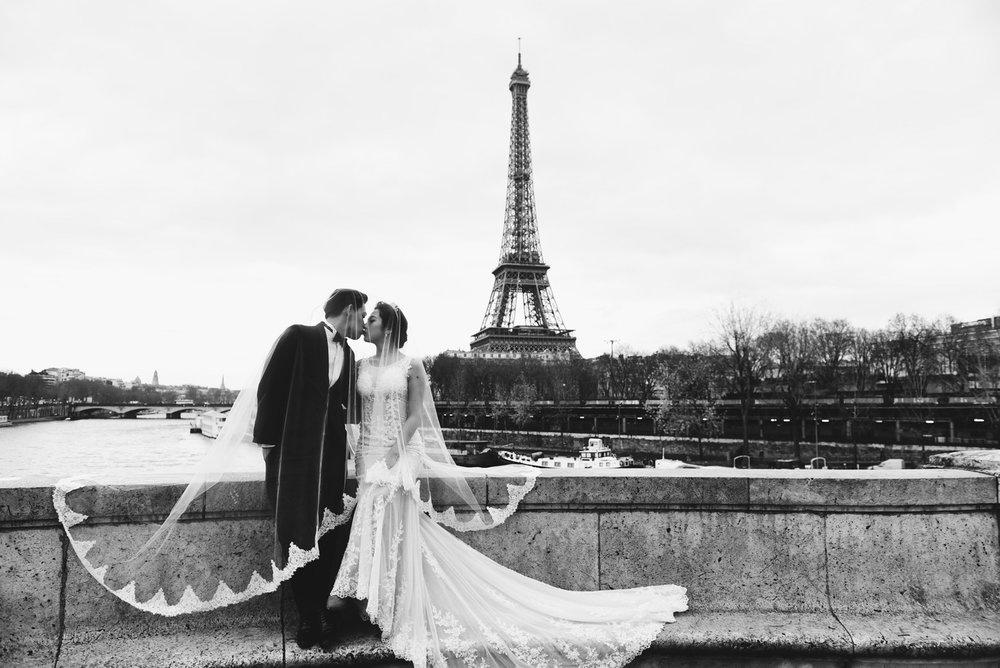 PUREFOTO_海外婚紗攝影Oversea_Prewedding_巴黎鐵塔婚紗拍攝