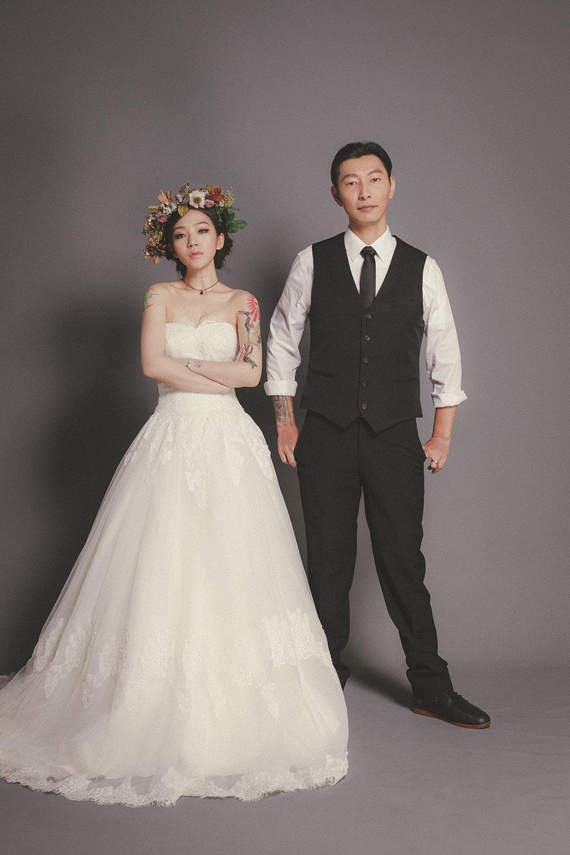 經典素背景婚紗
