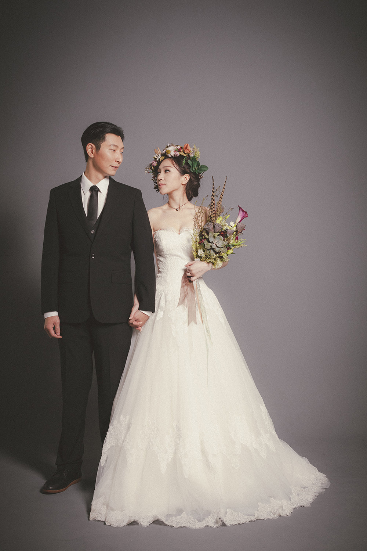 PUREFOTO_台灣自助婚紗攝影Prewedding_經典素背景白紗花冠