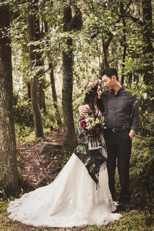 PUREFOTO_台灣自助婚紗攝影Prewedding_黑森林雨天婚紗罩衫