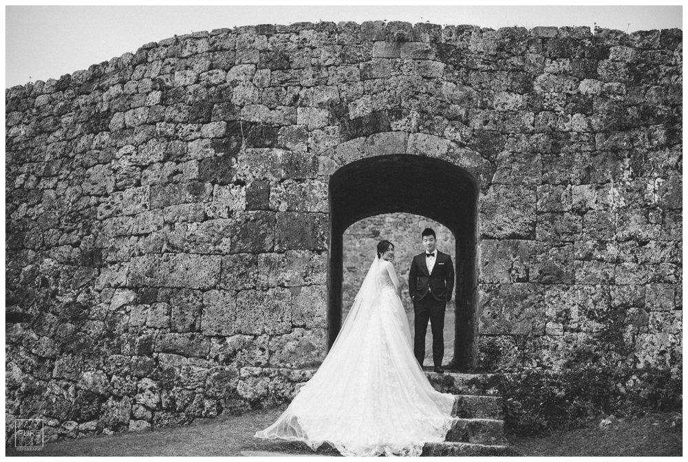 座喜味城婚紗拍攝黑白照