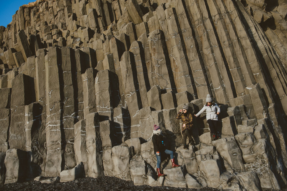 冰島玄武岩黑沙灘