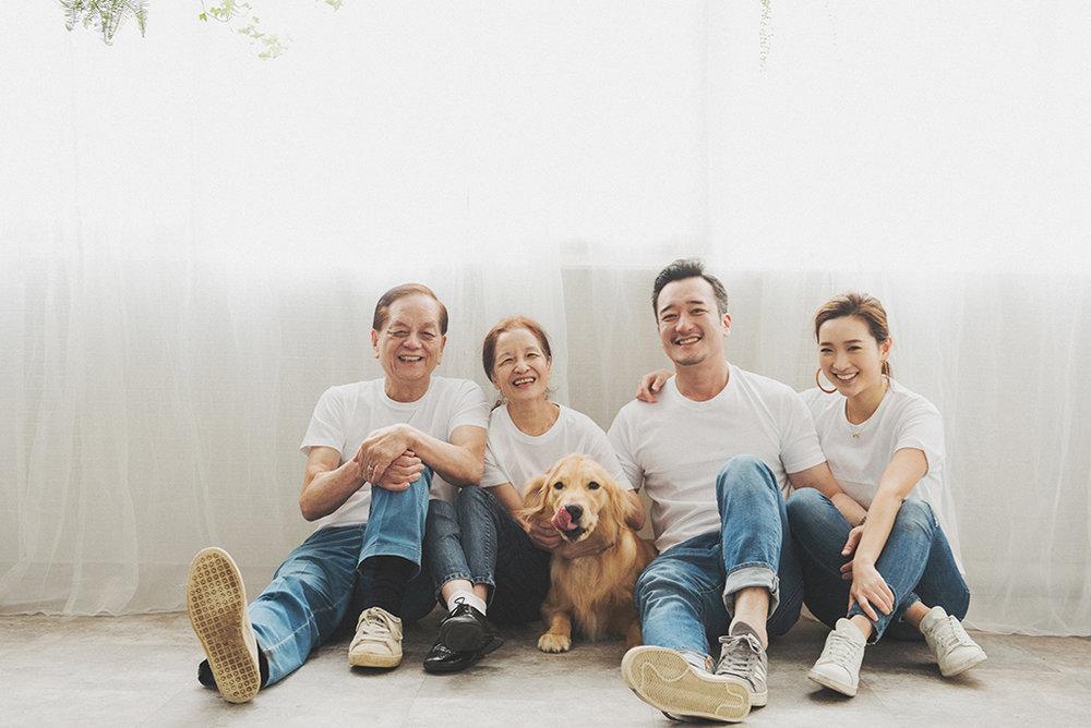 寵物寫真,寵物棚拍,狗狗寫真,狗,全家福,寵物全家福,紅貴賓