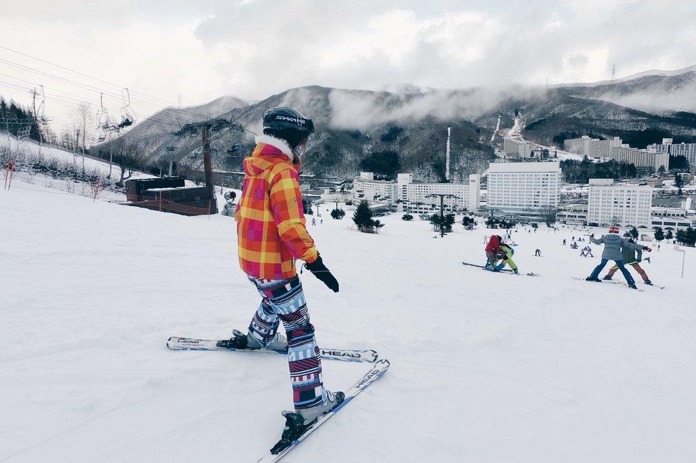 隨時跌倒的滑雪準備