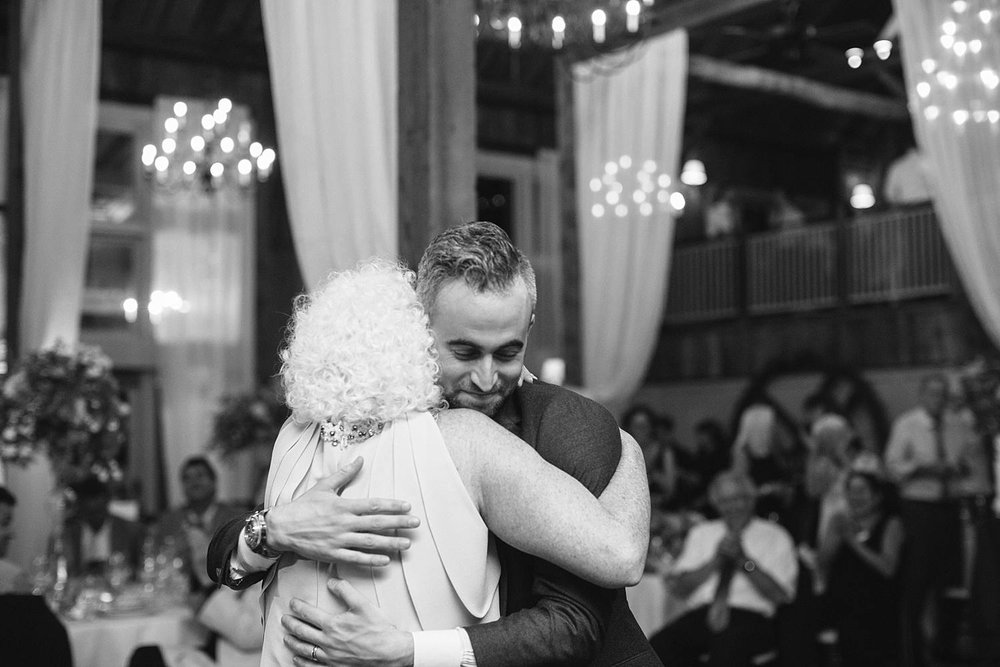 MinneapolisWeddingPhotographer_0310.jpg