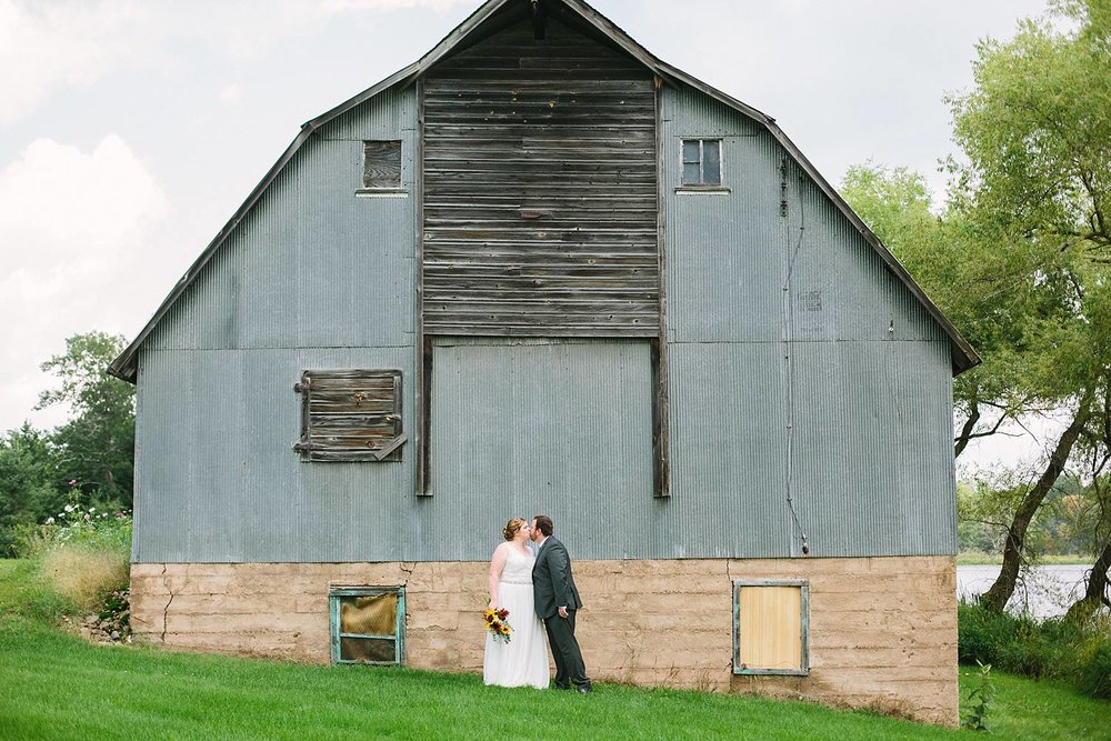 MinneapolisWeddingPhotographer_0374.jpg