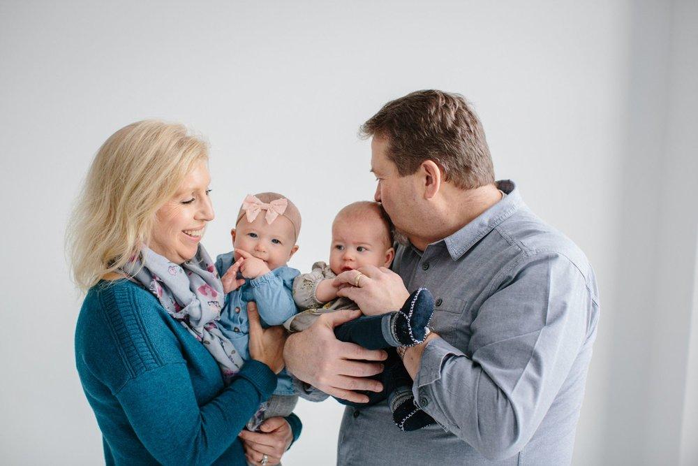 Indoor_Family_Photos_Multi_Generational_1419.jpg