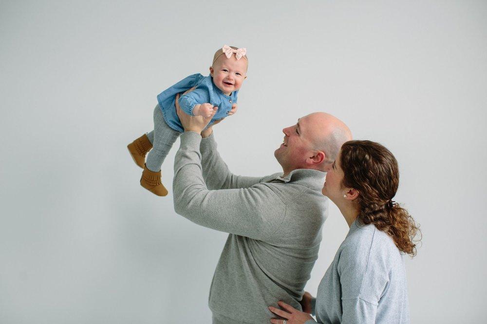 Indoor_Family_Photos_Multi_Generational_1427.jpg