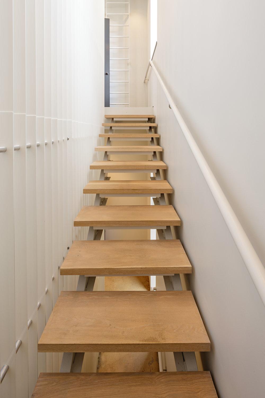 stair detail 2.jpg