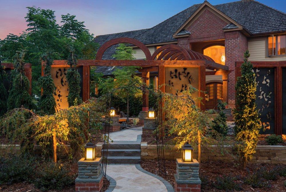 Mom's Design Build - Front Yard Landscape Lighting