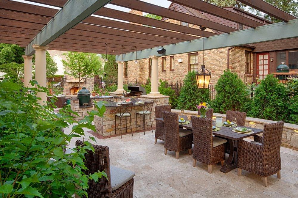 Moms Design Build - Backyard Landscape Pavilion
