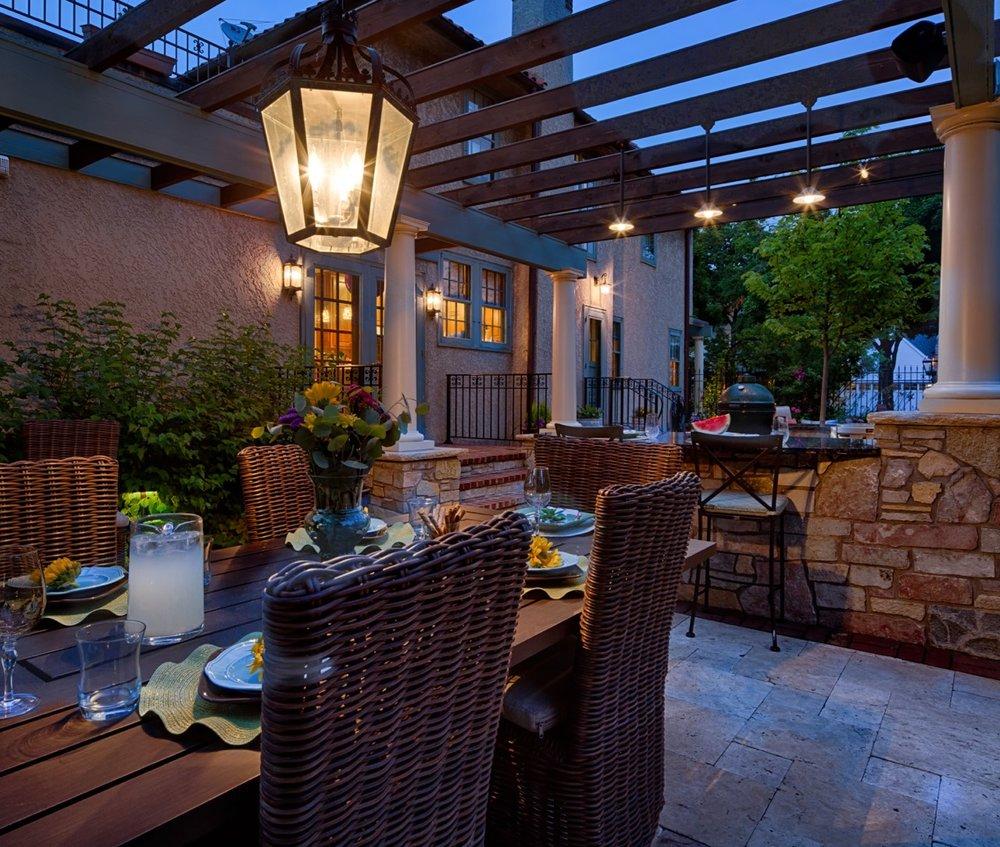 Moms Design Build - Indoor Outdoor Dining Table