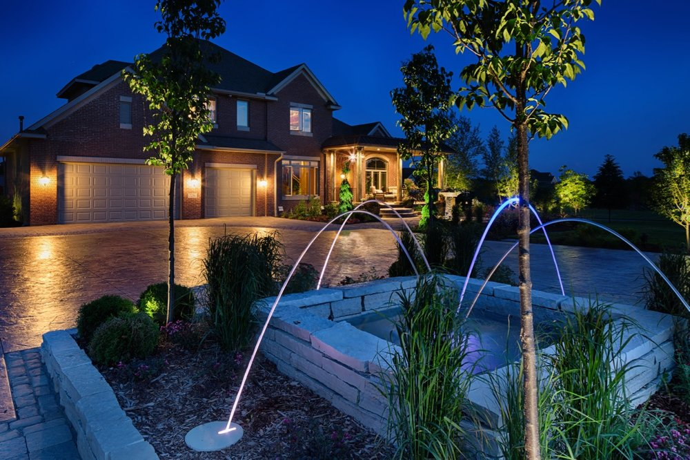Moms Design Build - Front Yard Entry Water Feature Driveway
