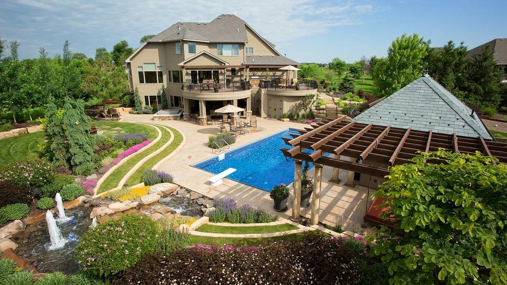 Moms Design Build - Backyard Custom Design pool