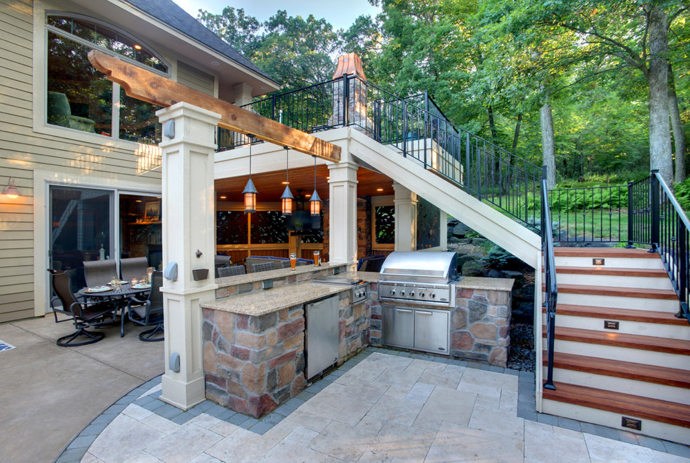 Mom's Design Build - Outdoor grill kitchen hardwood deck