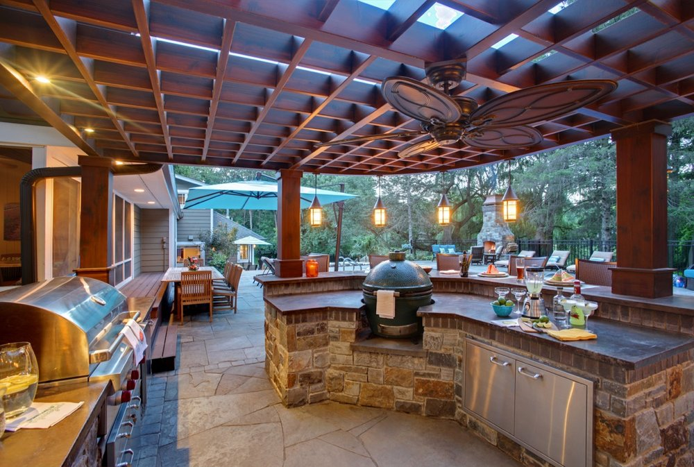 Mom's Design Build - Outdoor Kitchen Pergola
