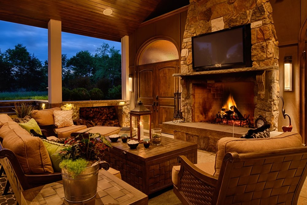 Mom's Design Build - Poolhouse with outdoor TV outdoor couch
