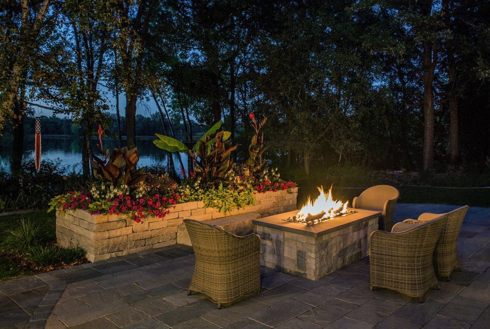 Mom's Design Build - natural gas fire table with seating