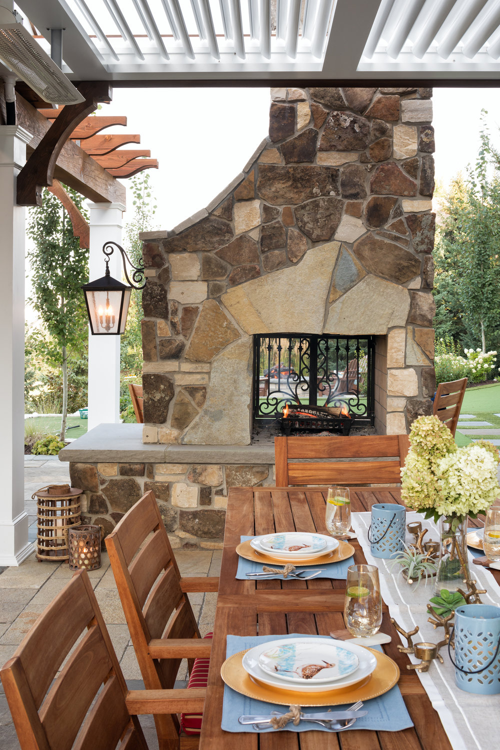 Mom's Design Build - Outdoor Dining Table Fire Place