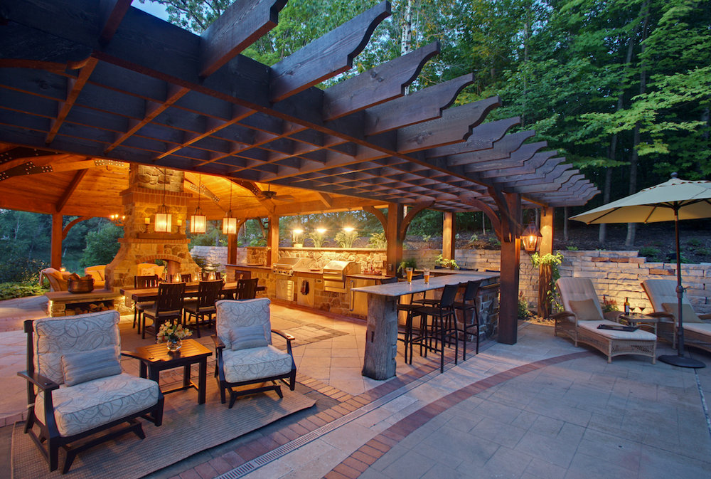Moms Design Build - Custom Pergola Outdoor Custom Kitchen