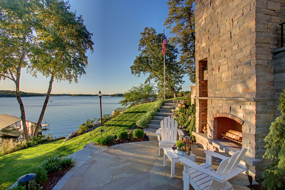Mom's Design Build - Lake Minnetonka Fireplace backyard landscape
