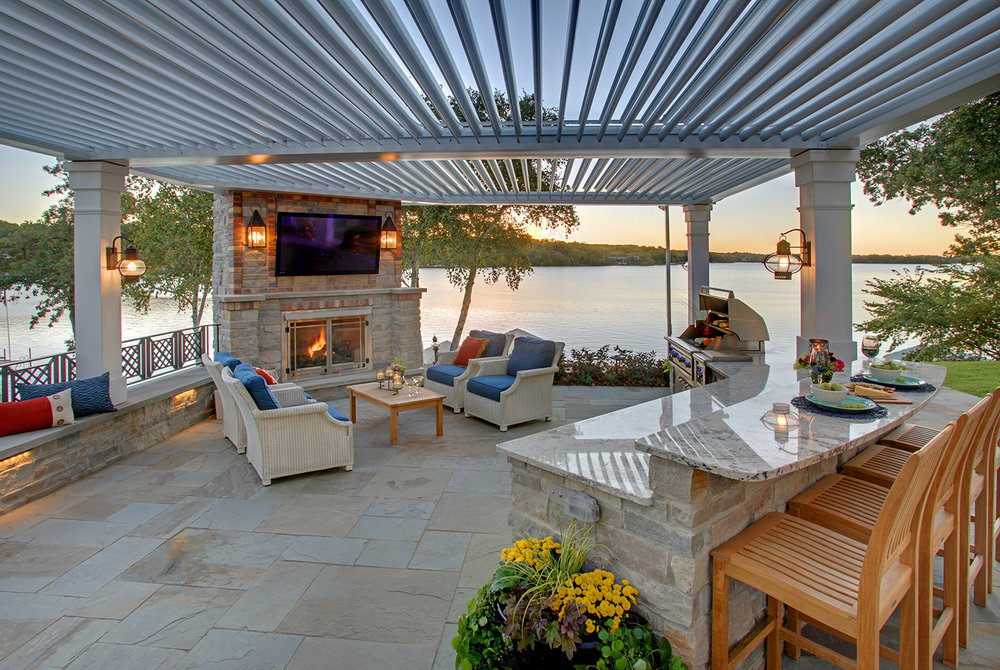 Mom's Design Build - Lake Minnetonka outdoor kitchen backyard landscape