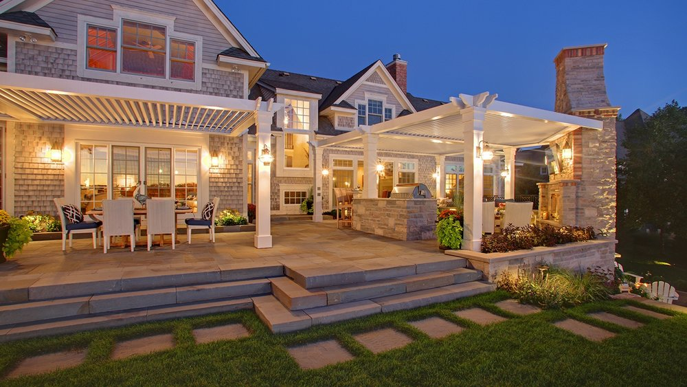 Mom's Design Build - Lake Minnetonka yard landscape architecture